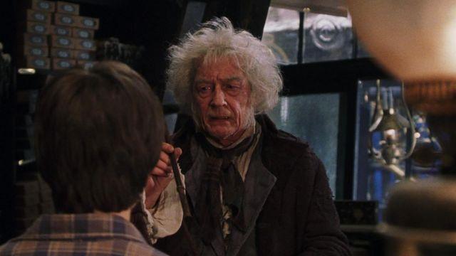 Monsieur Ollivander dans Harry Potter à l'École des Sorciers (2001) (rôle qu'il reprendra en 2010 dans Harry Potter et les Reliques de la Mort, volet divisé en deux parties).