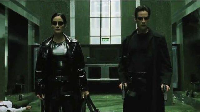 Les lunettes de soleil de Neo (Keanu Reeves) dans Matrix