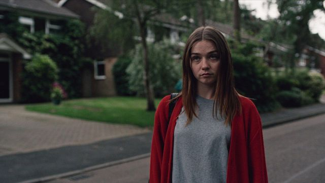 Red cardigan worn by Alyssa (Jessica Barden) in The End of the F***ing World 1x01
