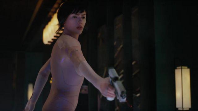 Major Motoko Kusanagi S Scarlett Johansson Pistol In Ghost In The Shell Spotern