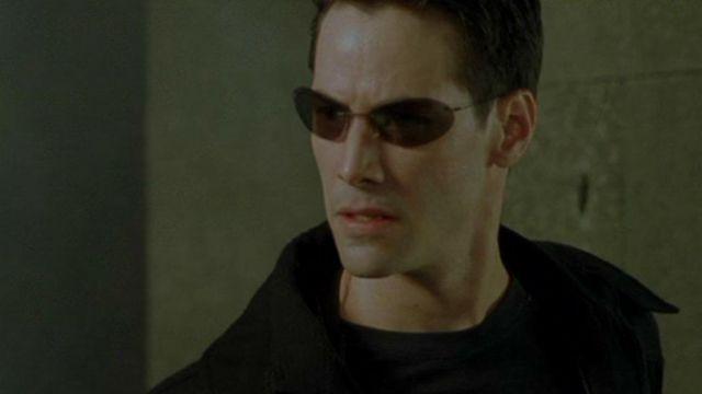Sunglasses Neo (Keanu Reeves) in The Matrix