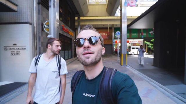 Le t-shirt vert Adidas de Squeezie sur une de ses vidéos YouTube