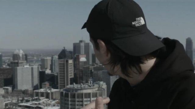 La casquette The North Face noire de Nekfeu dans son clip