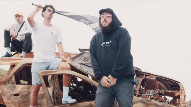 Le sweatshirt à capuche noir Don Dada de Caballero dans le clip Vrai ou faux de Caballero & JeanJass, Romeo Elvis