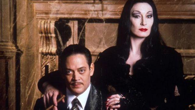 The Wig Morticia Anjelica Huston The Addams Family Spotern
