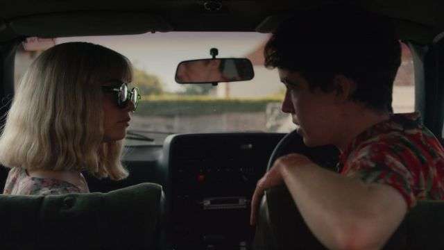 Sunglasses from Alyssa (Jessica Barden) in The End of the F***ing World S01E06