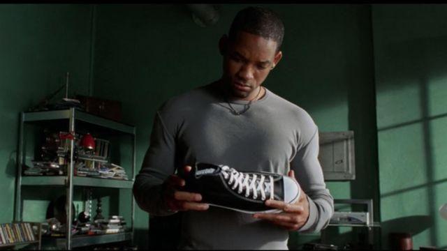 Les chaussures Converse en cuir de l'officier Del Spooner