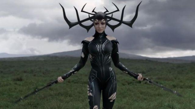 La réplique de l'épée courte de Hela (Cate Blanchett) dans Thor Ragnarok