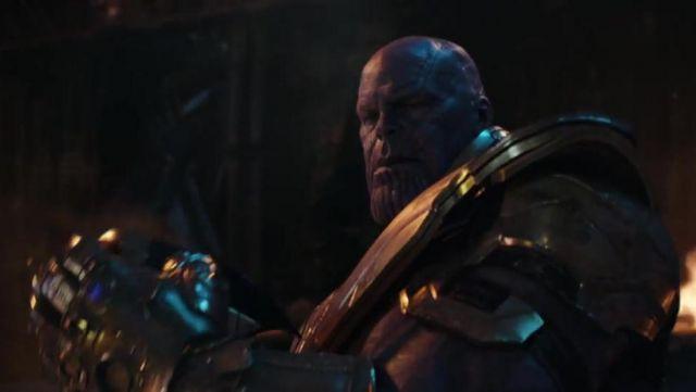 Plastic mask of Thanos (Josh Brolin) in Avengers : Infinity War