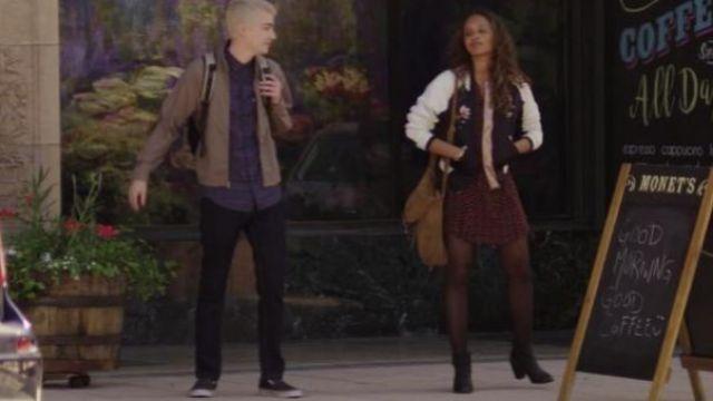 The bomber fleuri Jessica Davis (Alisha Boe) in 13 Reasons Why S01E02