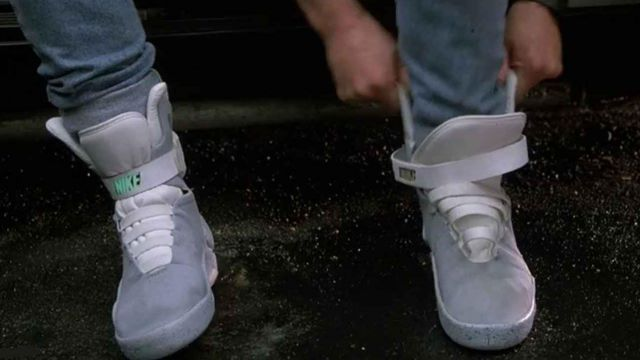 Les sneakers Nike auto-laçantes de Marty McFly (Michael J. Fox) dans Retour vers le Futur 2