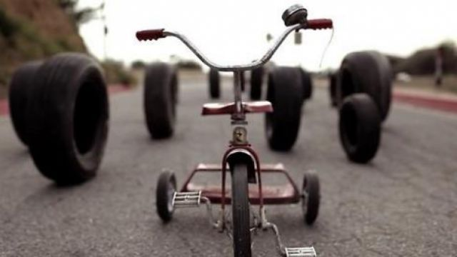 The tricycle killer in Rubber | Spotern