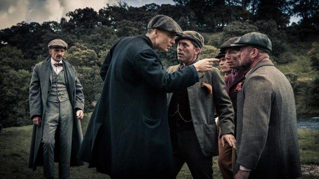Le chapeau / casquette de Arthur Shelby (Paul Anderson) dans Peaky Blinders S01E01