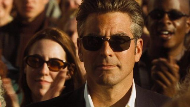 Sunglasses Persol of Danny Ocean (George Clooney) in Ocean's Eleven | Spotern