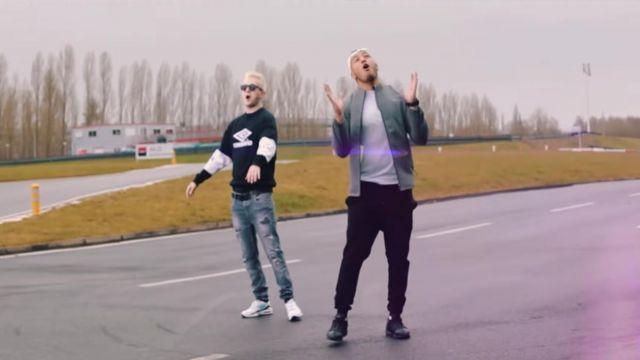 Les sneakers Nike Air Max 93 de Vald dans le clip youtube La valise de Hornet la frappe