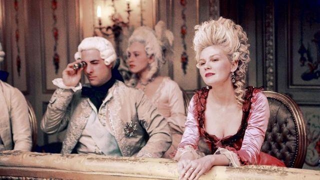 La perruque de Marie Antoinette (Kirsten Dunst) dans le film Marie- Antoinette | Spotern