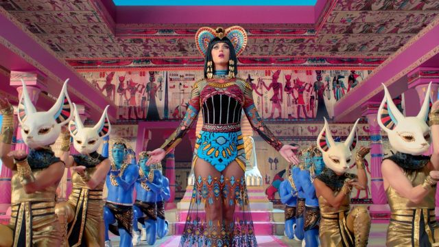 The complete costume of Katy Perry in her music video Dark Horse