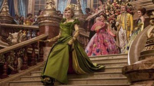 La robe de bal de la belle mère de Cendrillon (Cate Blanchet) dans le film Cendrillon