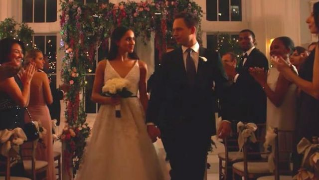 The Wedding Dress By Rachel Zane Meghan Markle On Suits