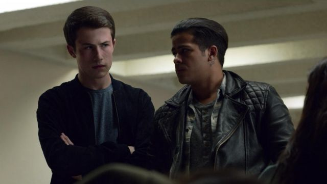 Black jacket worn by Clay Jensen (Dylan Minnette) as seen in 13 Reasons Why S02E03