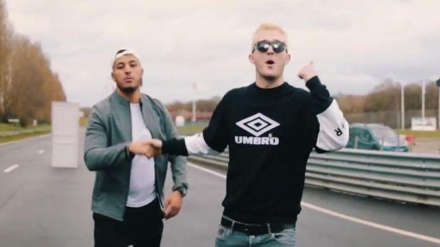 Le sweatshirt Umbro de Vald dans son clip Valise