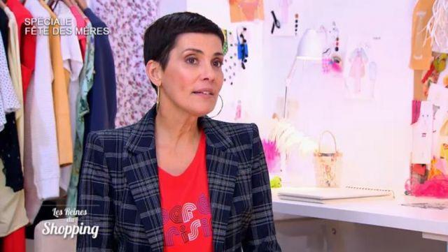 Le t-shirt Café parisien rouge de Cristina Cordula dans #LRDS Les reines du shopping du 23/05/2018