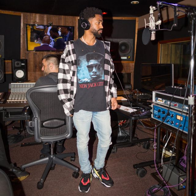 Puma thunder Spectra sneakers worn by Big Sean in his