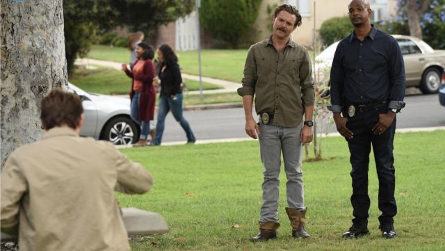 Shoes boots Martin Riggs (Clayne Crawford) in the lethal