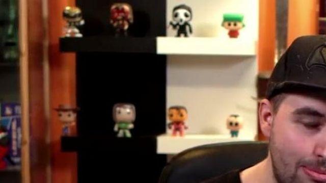 """La figurine Funko Pop Kyle Broflovski (South Park) de LinksTheSun dans sa vidéo """"Chansons françaises : le moment où ça a merdé"""""""