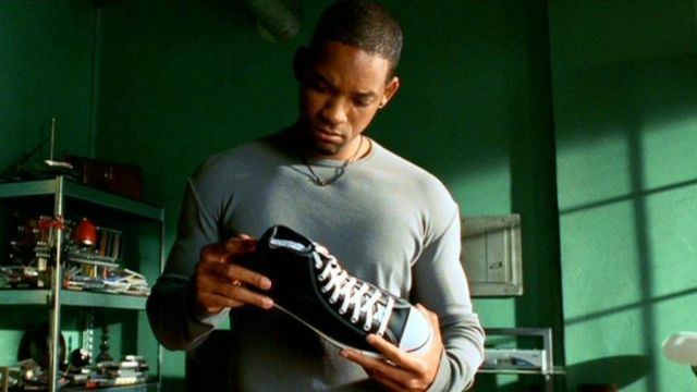 Shoes Converse of Del Spooner (Will Smith) in I, Robot