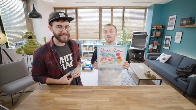Le kit Savons & Senteurs de Distrifun dans la vidéo commune de Squeezie et Cyprien (Bigorneaux & Coquillages)