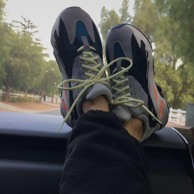the best attitude a5a4f fa213 Sneakers Adidas Yeezy Wave Runner 700 Solid Grey Kanye West ...