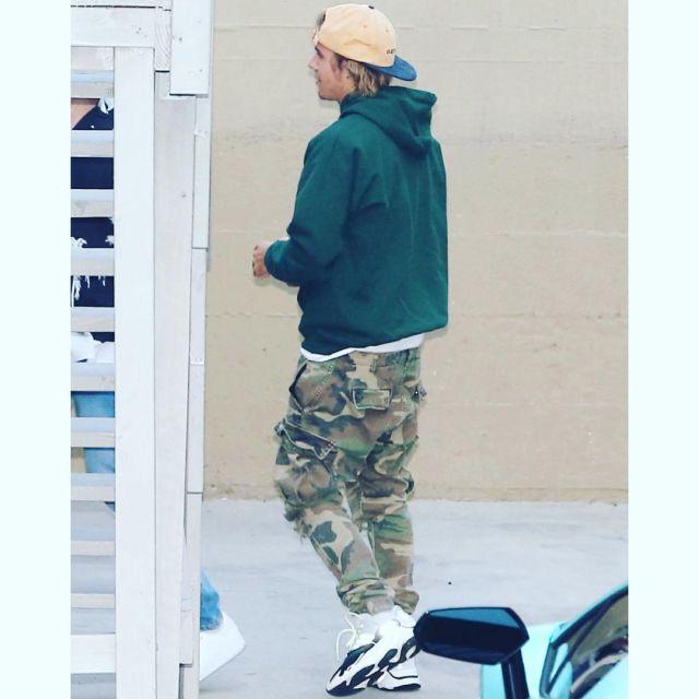Camouflage Bieber Rue Militaire Porté Dans La Par Justin Le Pantalon 7bfvIY6mgy