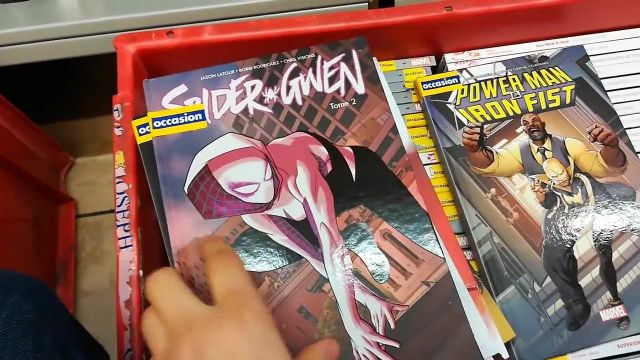 The Comic Spider-Gwen T02 in the YouTube video in THE SEARCH