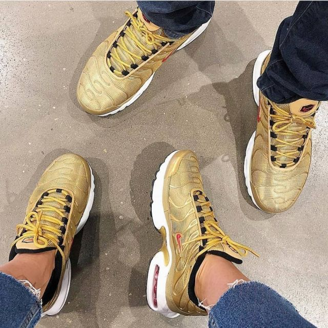 The Nike Air Max TN Metallic gold on the account Instagram