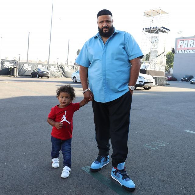the latest 70e87 fd47f The Air Jordan 4 x Travis Scott blue of DJ Khaled on his ...