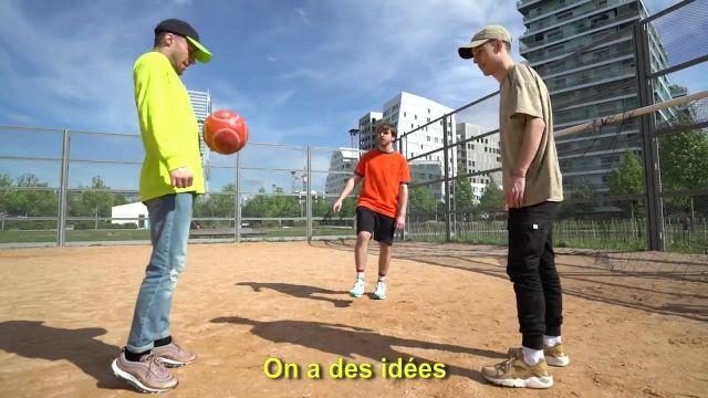 "Les sneakers Nike Air Max 97 Ultra 17 'Rose Gold' de Squeezie dans son clip ""Freestyle de Potes"""