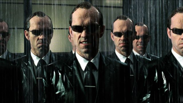 Tie original Agent Smith (Hugo Weaving) in the Matrix Revolutions ...