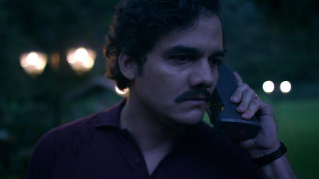 L'authentique téléphone cellulaire de Pablo Escobar (Wagner Moura) dans Narcos