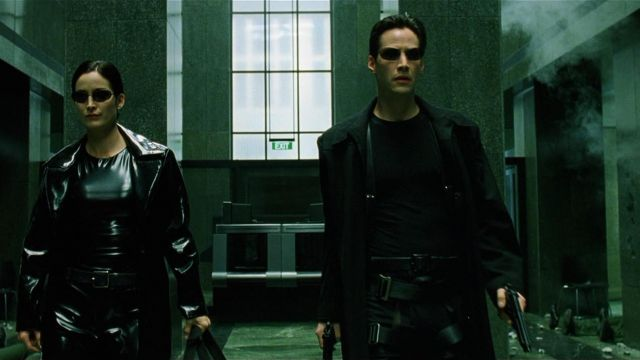 The long coat of Neo (Keanu Reeves) in the Matrix