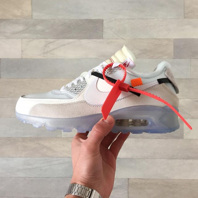 les sneakers nike Air Max 90 Off White blanches vues sur le