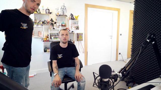Le Tee-Shirt Noir pokémon de Squeezie dans ses vidéos YouTube