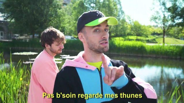 """La casquette de Squeezie sur sa vidéos YouTube """"freestyle de potes"""""""