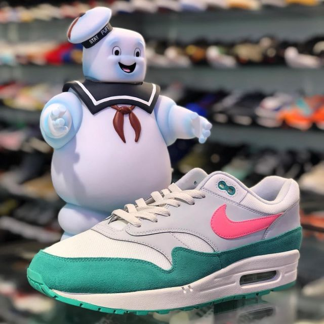 1 Nike The Air Max on grey and greenlarrydeadstock pink