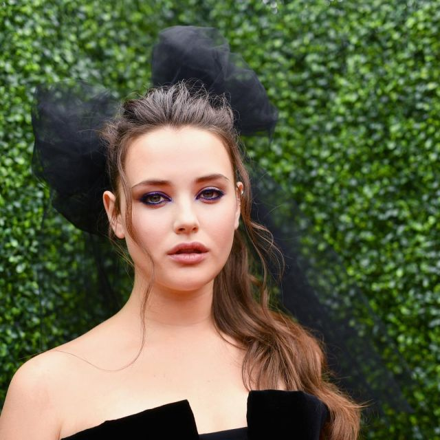 Katherine Langford's pink gold earrings at MTV Movie and TV Awards 2018