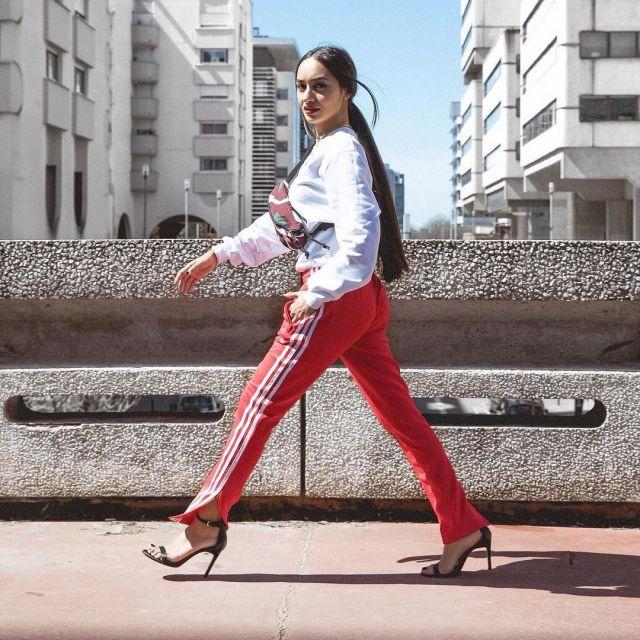 styles de variété de 2019 plus gros rabais dans quelques jours The adidas jogging red on the account Instagram @maileakln ...