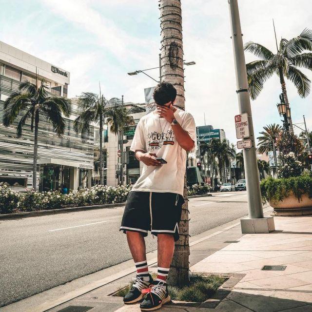Les Nike Presto Off-White que porte le youtubeur et influenceur Ari Petrou sur son Instagram