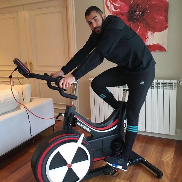 Sneakers ADIDAS NMD RUNNER TOKYO Karim Benzema on his