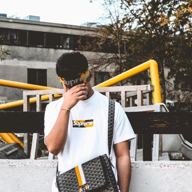 Le headband supreme camo jigsaw que porte l'influenceur et youtubeur anglais Ari Petrou sur son Instagram