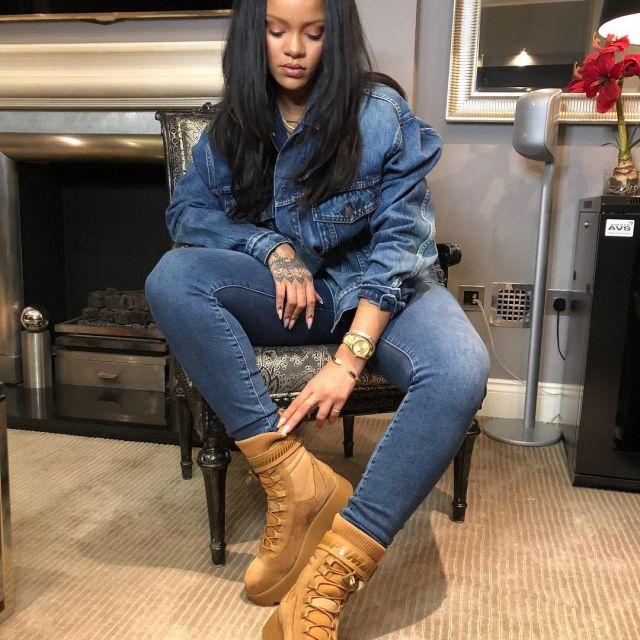 Les chaussures Fenty Puma de Rihanna sur son compte